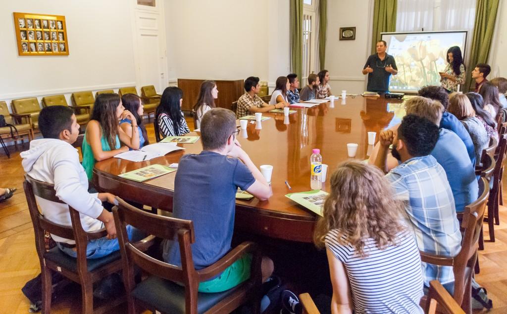 Estudiantes extranjeros de intercambio, durante una presentación en la FAUBA en 2016.